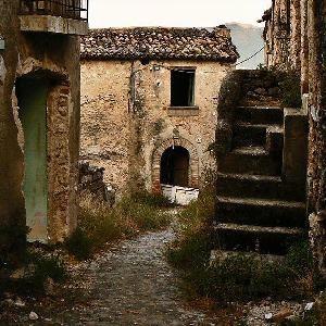 Abandoned Ancient City Escape