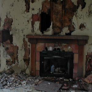 Abandoned Spooky House Escape