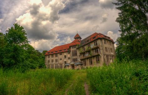 Escape Dark Hotel
